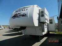 WOW!!!! VERY AFFORDABLE, GORGEOUS, UNIT! 2006 DENALI 28 RLBS