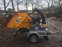 Wood chipper shredder with less than 300 hours useage - fully serviced, as new