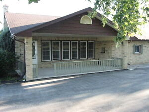 Country house with heated 2 car garage for rent