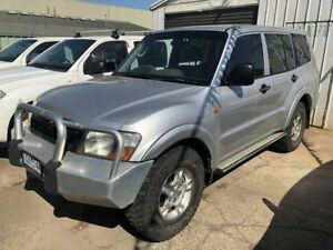 2000 Mitsubishi Pajero NM GLX LWB (4x4) Silver 5 Speed Manual 4x4 Wagon Hoppers Crossing Wyndham Area Preview