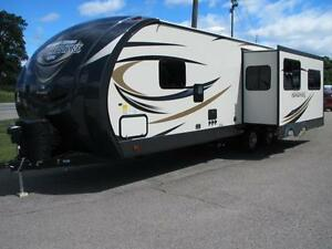 2017 HEMISPHERE 272 REAR LIVING BY FOREST RIVER-7495 LBS-LUXURY