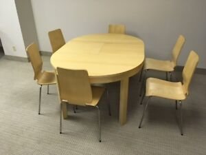 Table diner, 6 chaises / Diner table 6 chairs (IKEA)  $270