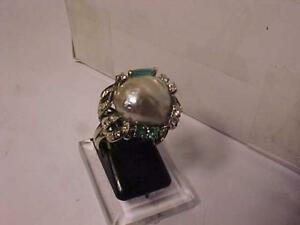 #3324-JUST STUNNING! 18K W/Gold Hand crafted FANCY COCKTAIL RING-*PEARL*EMERALDS(3)*DIAMOND(26) TRACKED FREE SHIPPING*