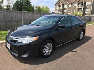 2014 Toyota Camry LE - ONLY 31,000 KMS