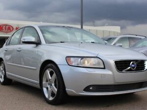 2011 Volvo S40 T5 R-DESIGN, LOCAL CAR!!, SUNROOF, LEATHER, HEATE