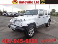 2013 Jeep Unlimited Wrangler MANUAL!! 4X4!! LOW LOW KMS!!