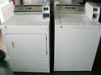Duo laveuse et sécheuse Whirlpool commerciales usagées