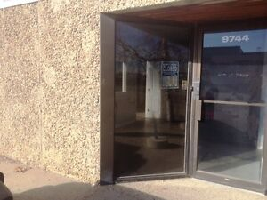 Available Immediately-Move in Ready South Side Commercial Space