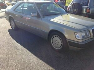 1990 Mercedes-Benz 300CE Smoke Automatic Coupe Dandenong Greater Dandenong Preview