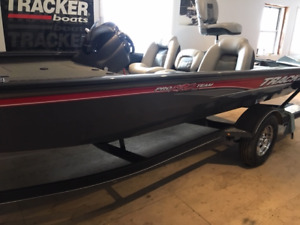 2018 Tracker Pro Team 190 TX Bass Boat