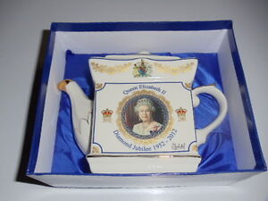 Tea Pot - Queen Elizabeth II Diamond Jubilee Commemorative Tea P