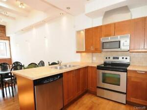 Three bedrooms 2 bathrooms for rent, metro Berri-Uqam and sherb.