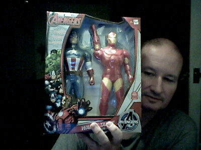 MARVEL AVENGERS 2 WALKIE TALKIES CAPTAIN AMERICA & IRON MAN  PERFECT XMAS GIFT