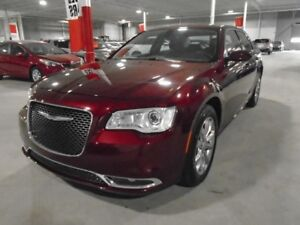 2017 Chrysler 300 AWD Touring w/ Navigation, Pano roof