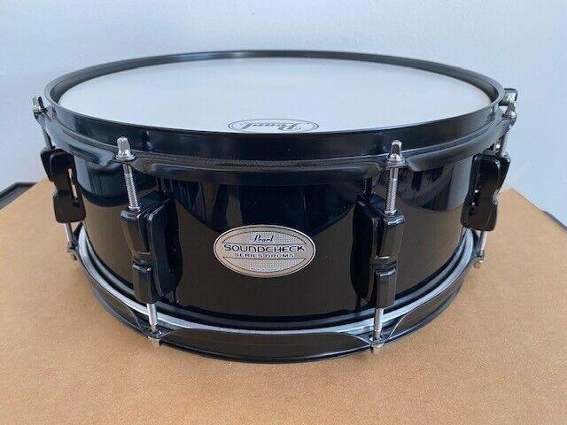 "Pearl Soundcheck Snare Drum 14 X 5.5"" Black w/ Black Hardware 8-Lug"