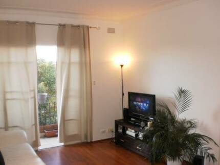 One Bedroom Apartment for 3 weeks in Maroubra / Kingsford Kingsford Eastern Suburbs Preview