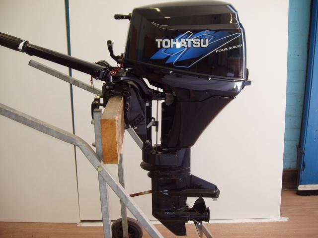 Tohatsu Fourstroke Outboard Motor Boat Engine 2009