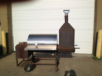 LARGE STAINLESS STEEL GAS BBQ/SMOKER BINFOLD