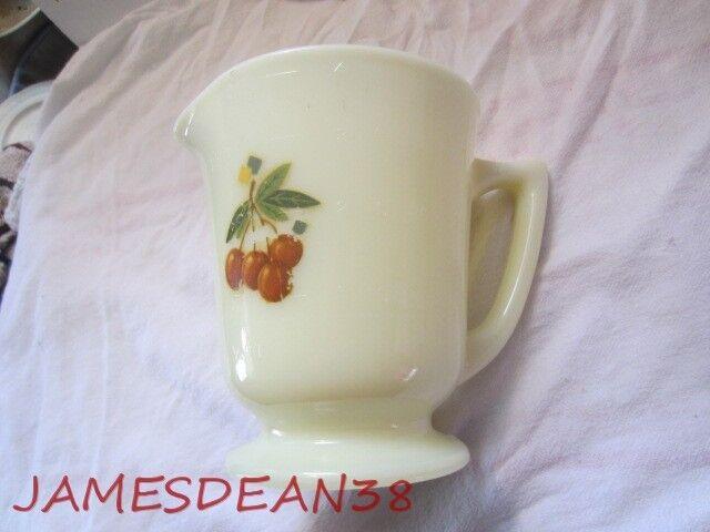 Vintage MCKEE CUSTARD 4 CUP MEASURE PITCHER BATTER JUG