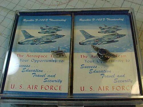 ORIGINAL VINTAGE REPUBLIC / FAIRCHILD AVIATION LOT - PINS / F-105....