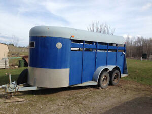 Stock 16ft horse trailer