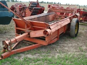 Allis Chalmers Manure Spreader