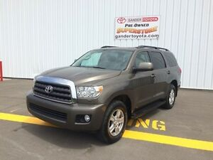 2013 Toyota Sequoia SR5 5.7L with 5 year/160,000 km Extended War