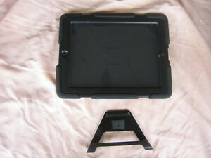 Griffin Survivor Ipad Air 2 Case With Stand (Like New)