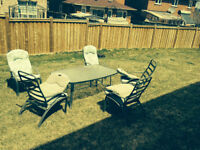 Patio with 5 chairs