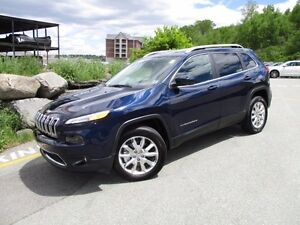 2016 Jeep CHEROKEE LIMITED 4X4 (ONLY 15K, LEATHER, PANORAMIC ROO
