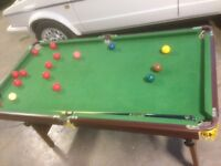 Kids Snooker Table with Snooker Balls and 2 Cue's