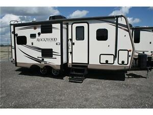 SUMMER CLEARANCE!!ROCKWOOD ULTRALITE 2304DS!!WITH EQ HITCH!
