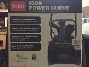 TORO 1500 POWER CURVE ELECTRIC SNOBLOWER NEW