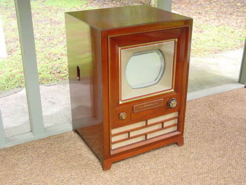 Vintage Classic, 1954 RCA Model CT-100, Collectible First Mass-Produced Color TV
