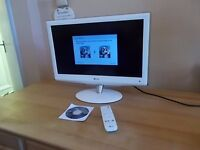 LG 22 inch Widescreen HD Ready LCD TV with Freeview