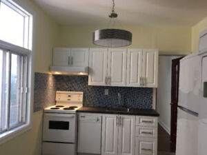 February 1: Cosy room in renovated 5 1/2 apartment in ST HENRI