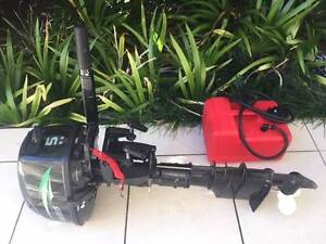Outboard Motor Maxus 5F model Newport Pittwater Area Preview