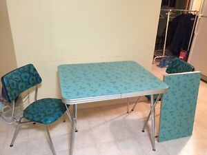 Retro Kitchen Table and 5 chairs
