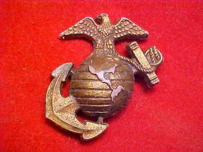 RARE BIG OLD UNUSUAL BAKELITE PLASTIC WW2 USMC HOMEFRONT SWEETHEART BARRACKS EGA