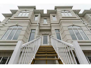OPEN HOUSE! Large Windermere Townhouse with all the Upgrades