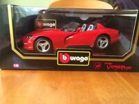 burago 1992 Dodge Viper RT/10 18:1 die cast mode with extras