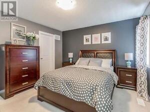 Bedroom set,headboard,foot-boar,nightstand,chest,dresser,Mirror