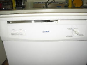 Like new Moffat Portable Dishwasher For Sale