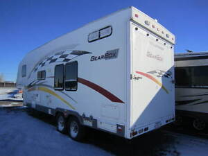 2006 fleetwood gearbox 295 toy hauler with built in generator