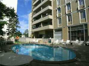Beautiful 1040 sq feet 2-bdr  in concrete building downtown