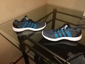 SIZE 10 MEN'S ADIDAS RUNNING SHOES