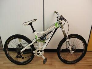 Vélo de décente CV138419