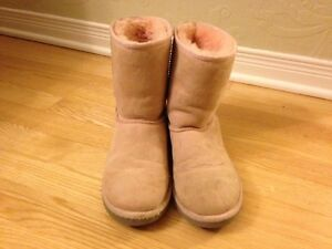 Girls Pink UGG Classic Boots Size 4 USA