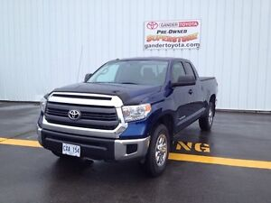 2015 Toyota Tundra 4x4 Doouble Cab SR 4.6L SR5 Package 6 Passeng