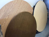 ~~~Assorted Round Tables w/ Pedestal Stand